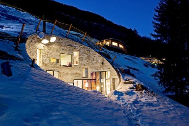 Villa vals in svizzera c 39 e 39 la casa nella roccia l for Therme vals vals svizzera