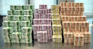 soldi-euro-banconote-mazzette