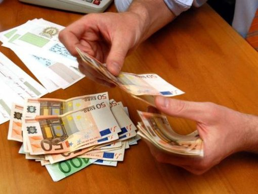 soldi aiuto