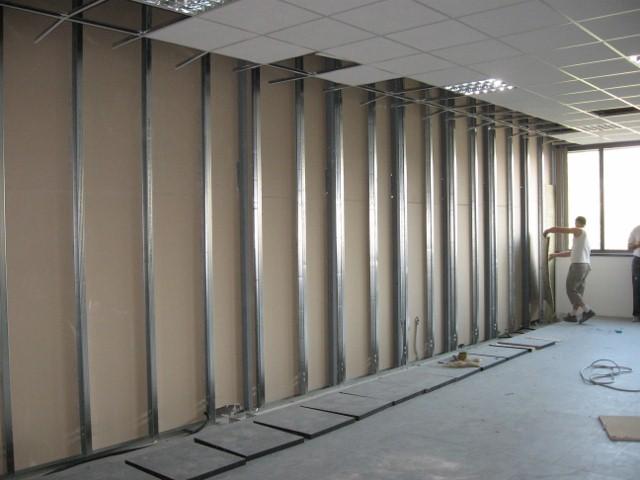Un giorno di ordinaria follia per un muro in cartongesso - Spessore muri interni ...