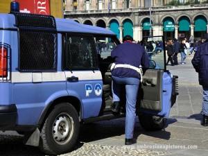 POLIZIA-DI-STATO-ITALIA-Milano-94