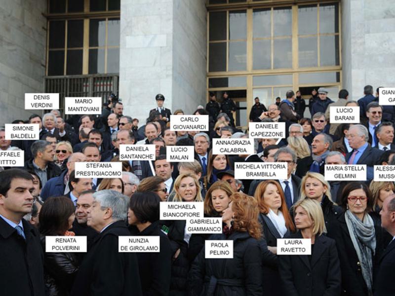 Dimissioni pro berlusconi nel pdl i parlamentari si for I parlamentari