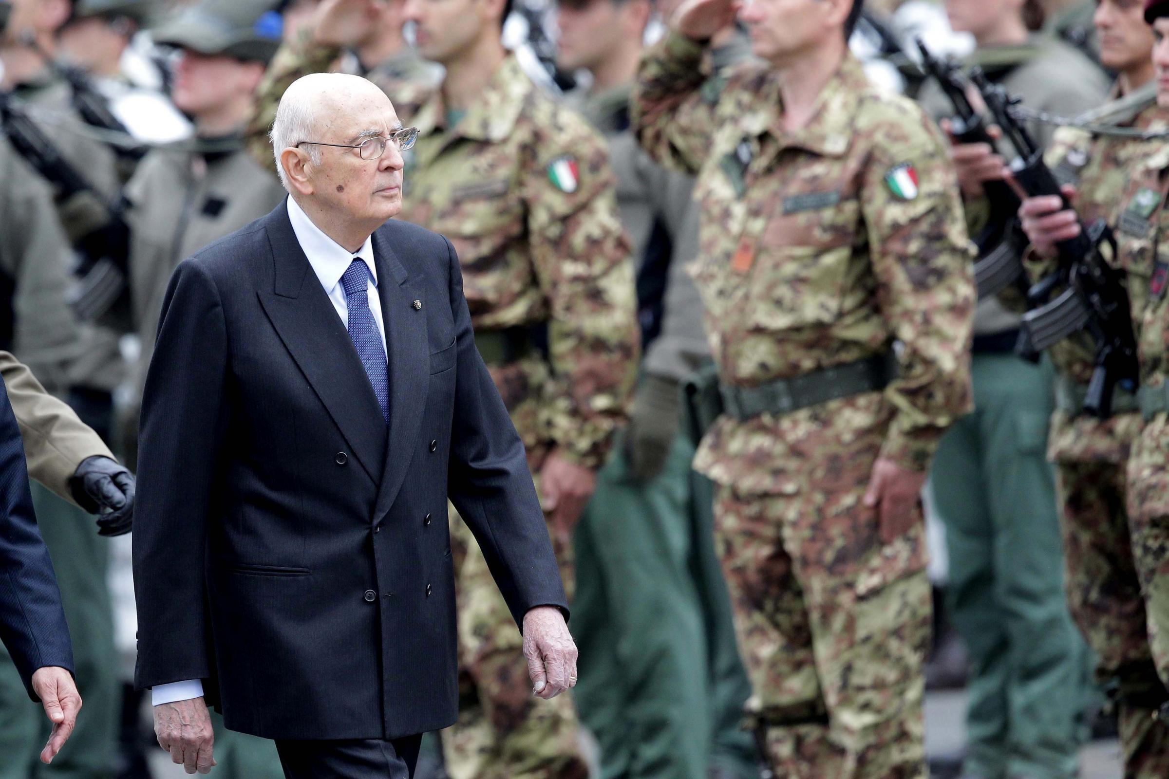 Torino, Giorgio Napolitano partecipa alle celebrazioni per i 150 anni dell'Esercito
