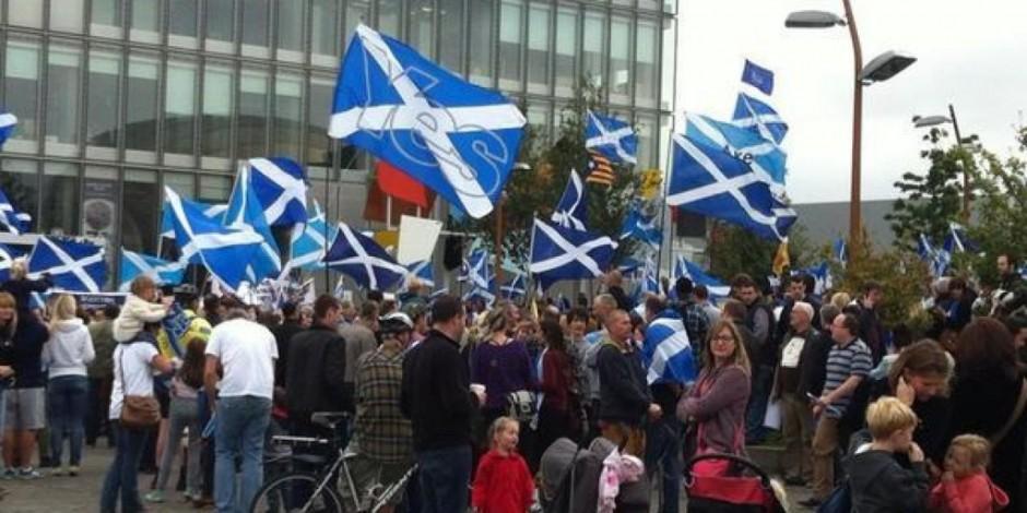 attivisti-scozzesi-1024x512