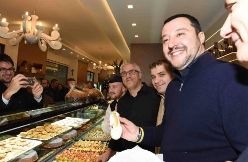 Salvini cannoli
