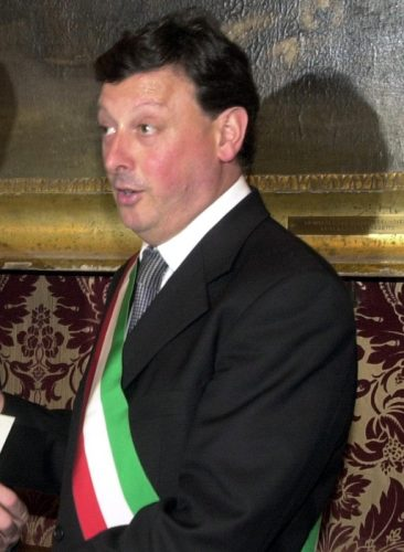 Salvino Caputo in una foto d'archivio del 29 aprile 2003. Nel 2004, da sindaco del Comune di Monreale, l'attuale deputato del Pdl all'Assemblea regionale siciliana, Salvino Caputo, avvocato, firmò una determinazione sindacale per impedire che un suo assessore e la moglie pagassero le multe automobilistiche che ammontavano a 1300 euro. ANSA / MIKE PALAZZOTTO
